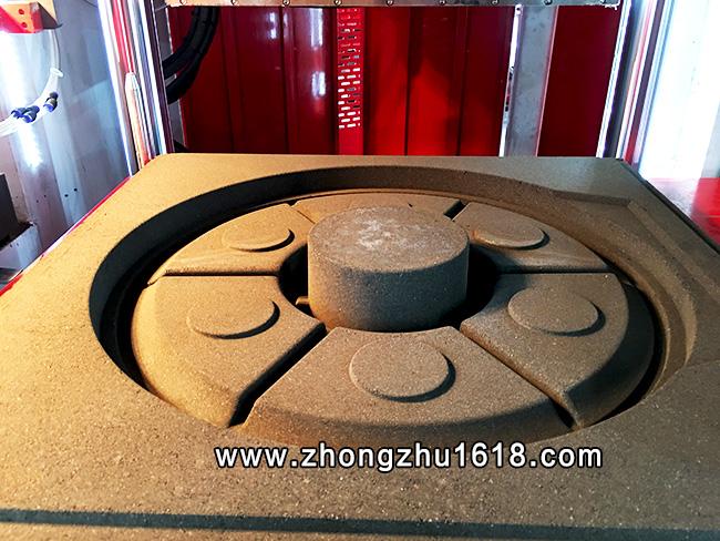 全自动造型机_铸铁勾轮铸造造型生产